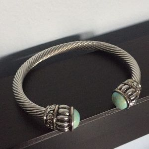 Turquoise stone and silver metal bracelet